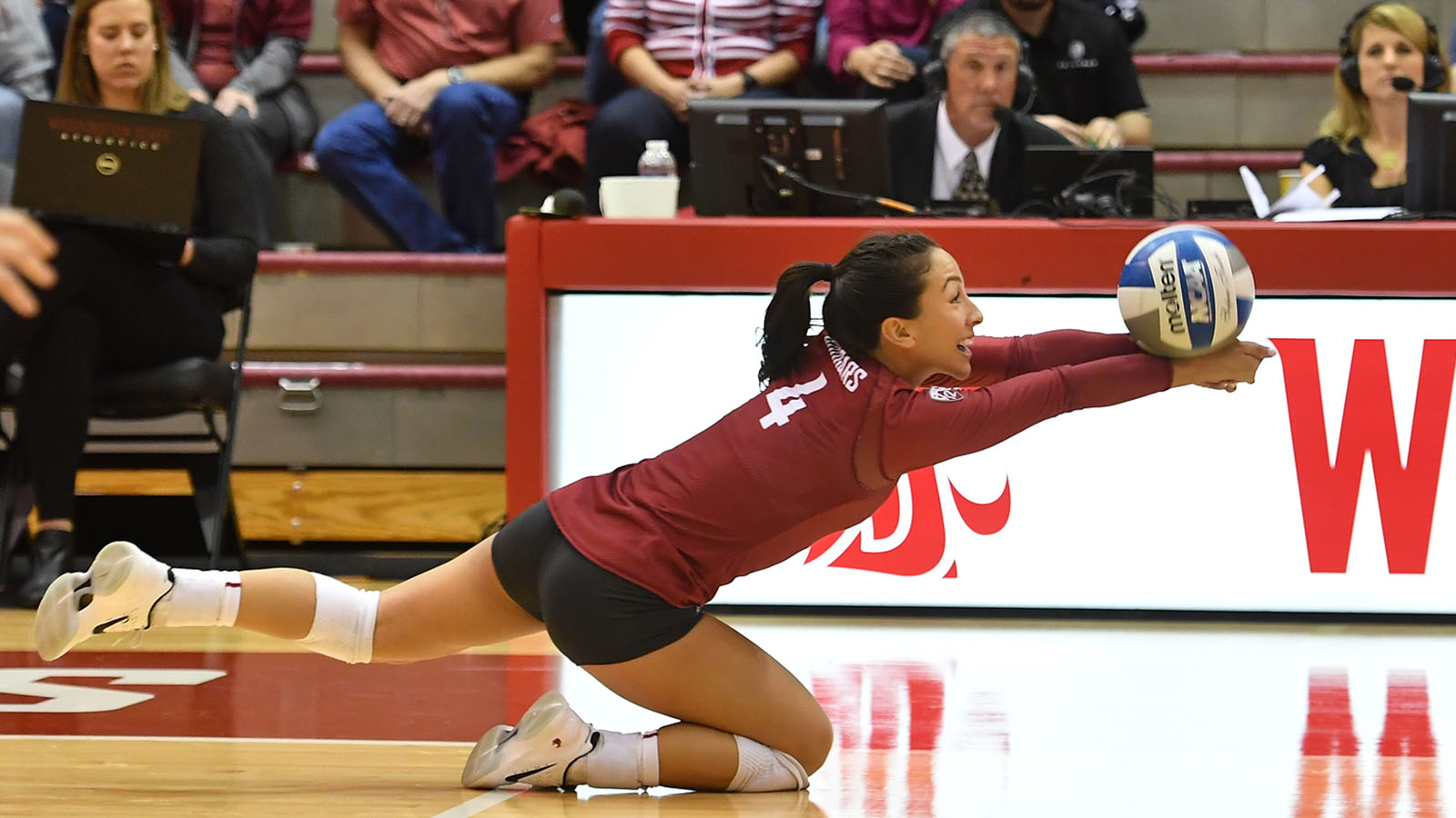 WSU Volleyball Upsets No 13 UCLA 3 2 In Pullman